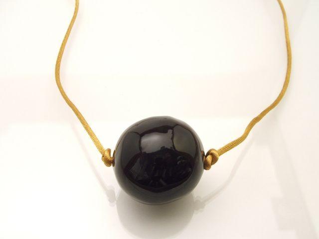 """Fekete-gömb"" nyaklánc"